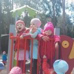 Zabawa na placu zabaw (4)